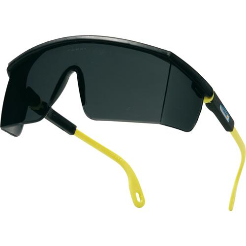 Lunette à branches en polycarbonate monobloc branches nylon ajustables et inclinables protection latérales traitement : anti-rayures poids : 32 gr. teinte oculaire : fumés (uv400) conforme aux normes en 170, en 172.